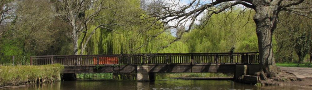 Banner-Sunny-Bridge-Cassiobury-Park